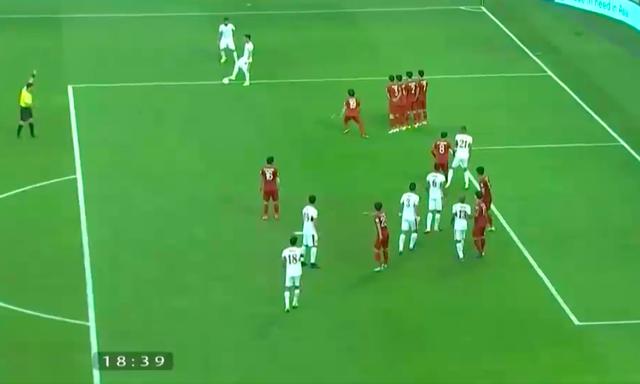 Bàn thắng của Jordan không hợp lệ, tuyển Việt Nam đã chịu oan một bàn thua - Ảnh 4.
