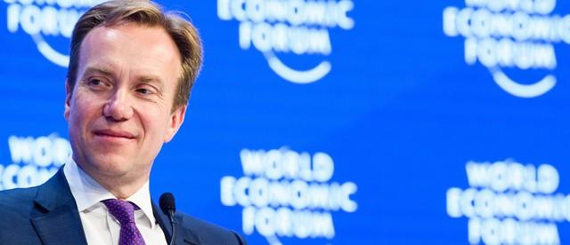 Chủ tịch WEF: Ảnh hưởng của địa chính trị với tăng trưởng toàn cầu là mối quan ngại lớn nhất - Ảnh 1.