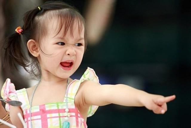 Thấy con có những hành vi ứng xử bất thường này cha mẹ tuyệt đối đừng bỏ qua mà hãy uốn nắn, sửa chữa ngay - Ảnh 2.