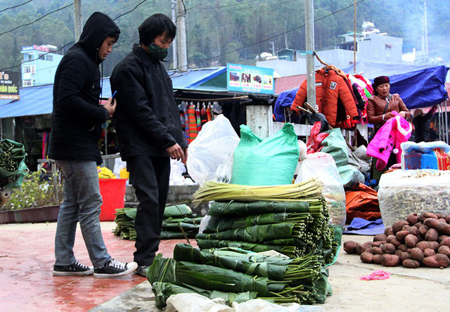 Độc đáo chợ phiên Đồng Văn ngày cuối tuần - Ảnh 12.