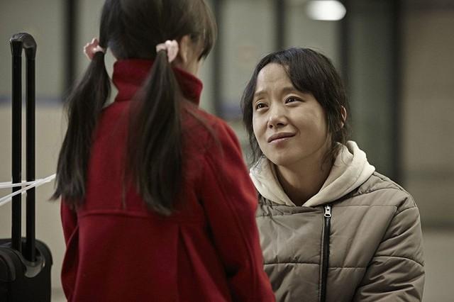 """Câu chuyện """"mắc kẹt ở Paris"""" của bà mẹ Hàn: Ngồi tù oan vì tin tưởng tội phạm ma túy, sang chấn tâm lý đến không thể nuôi con - Ảnh 5."""