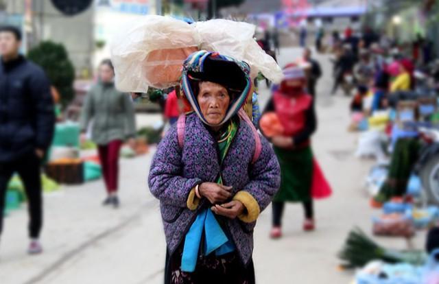 Độc đáo chợ phiên Đồng Văn ngày cuối tuần - Ảnh 6.
