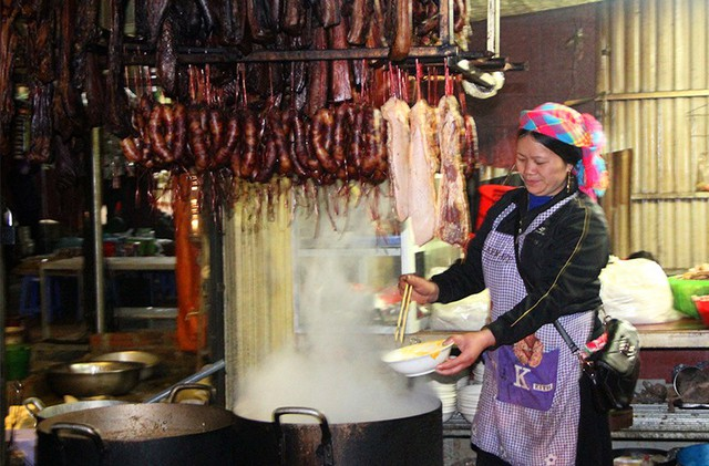 Độc đáo chợ phiên Đồng Văn ngày cuối tuần - Ảnh 8.