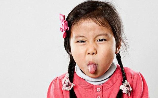 Con có 3 biểu hiện này lớn lên dễ thành người bất hiếu, số 3 cha mẹ không sớm uốn nắn sẽ phải hối hận - Ảnh 1.
