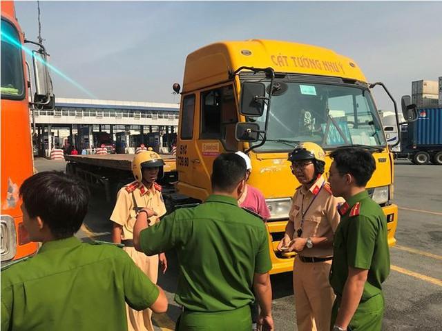 Phát hiện nhiều tài xế container ở cảng Cát Lái dương tính ma tuý - Ảnh 2.