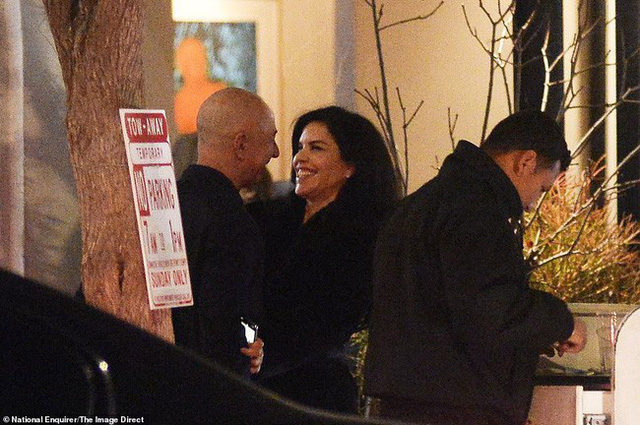 Lộ ảnh tình tứ của tỷ phú Jeff Bezos cùng nhân tình trước ngày thông báo ly hôn 2 tháng - Ảnh 6.