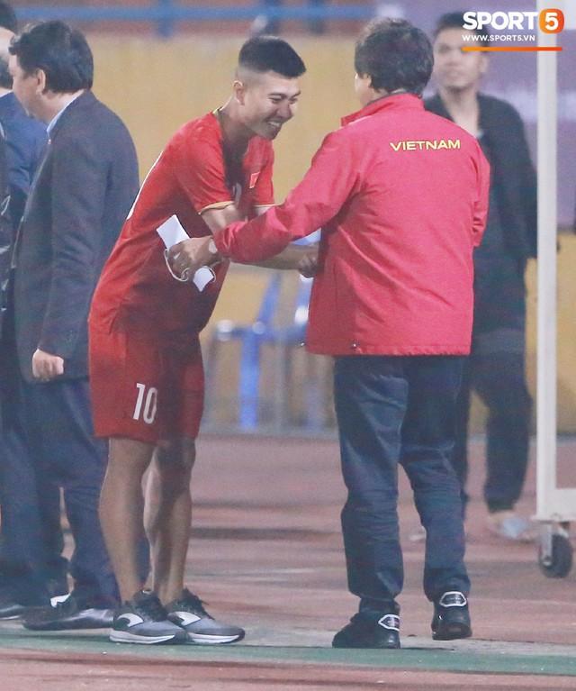 Không nghỉ ngơi, HLV Park Hang-seo tới sân theo dõi U22 Việt Nam đấu CLB quê nhà - Ảnh 12.