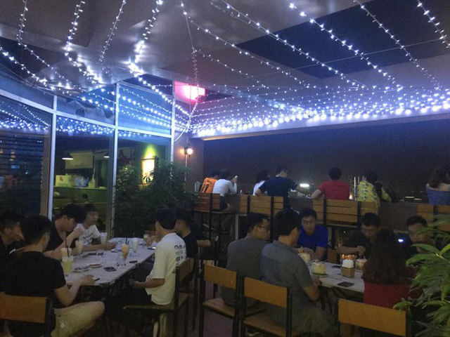 Update giá vé ngồi xem pháo hoa những điểm hot nhất Hà Nội: vé cao hơn năm ngoái nhưng vẫn ùn ùn người đặt mua - Ảnh 27.
