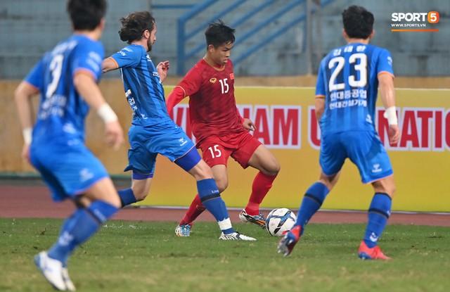 Không nghỉ ngơi, HLV Park Hang-seo tới sân theo dõi U22 Việt Nam đấu CLB quê nhà - Ảnh 6.
