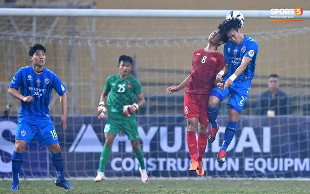 Không nghỉ ngơi, HLV Park Hang-seo tới sân theo dõi U22 Việt Nam đấu CLB quê nhà - Ảnh 9.