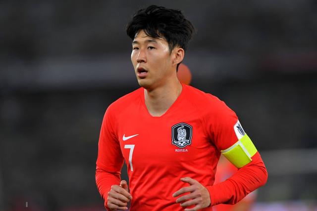 Tổng kết vòng tứ kết Asian Cup 2019: Việt Nam vẫn là trường hợp ngoại lệ - Ảnh 2.