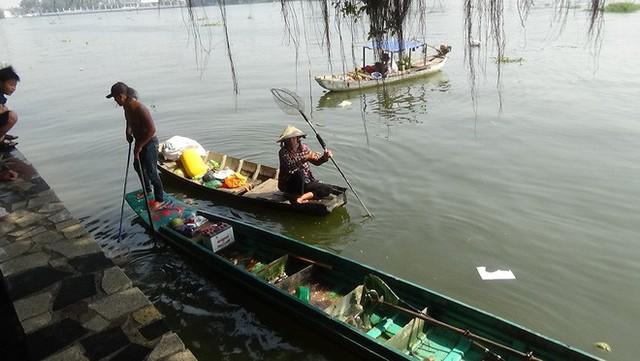 Cận cảnh đội quân ngang nhiên chích điện, bắt cá phóng sinh ngay trước mặt người thả - Ảnh 3.