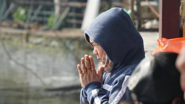 Người Sài Gòn mua cua mang đến chùa phóng sinh ngày ông Công ông Táo - Ảnh 9.