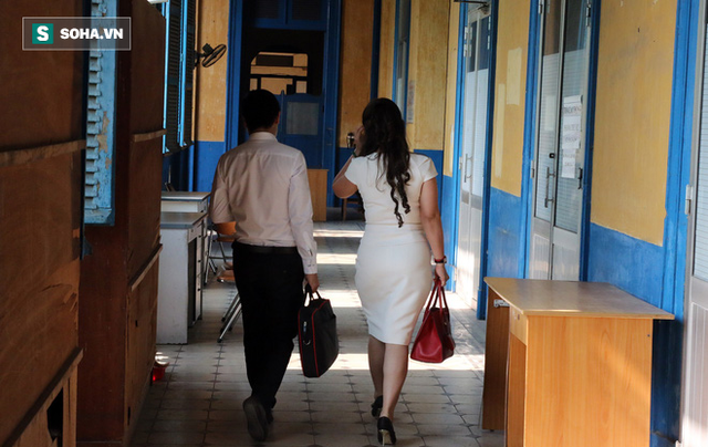 [ẢNH]: Ông Đặng Lê Nguyên Vũ và vợ không một lần ngoảnh mặt nhìn nhau tại phiên tòa xử ly hôn - Ảnh 13.