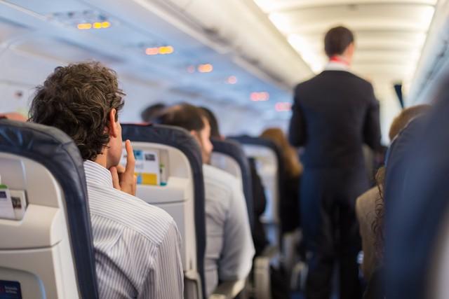 Máy bay vốn không sạch như mọi người vẫn nghĩ, hãy bỏ túi ngay 8 bí kíp phòng bệnh sau để đi lại an toàn trong dịp Tết này - Ảnh 8.