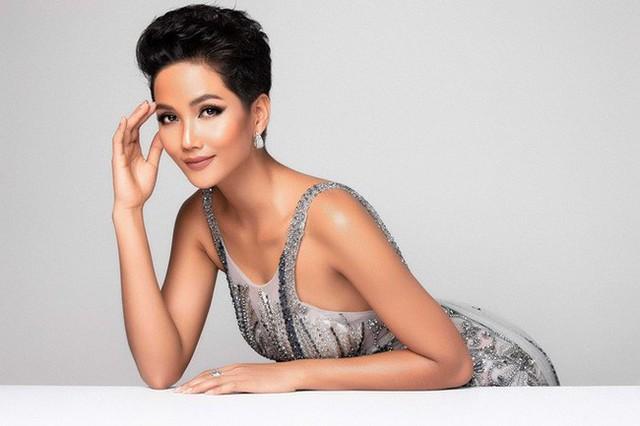 """H'Hen Niê: Khi thế giới trầm trồ về """"nàng Cinderella của Việt Nam thì công chúng nước nhà lại yêu thích cô chỉ với điều này - Ảnh 3."""
