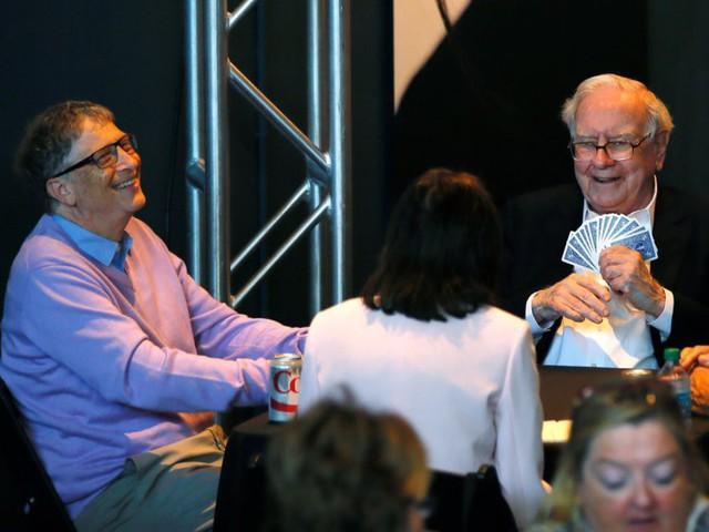 Warren Buffett và Bill Gates cùng đồng ý rằng từ bỏ thói quen vô bổ này sẽ giúp bạn thay đổi cuộc đời, đạt được thành công vang dội - Ảnh 2.