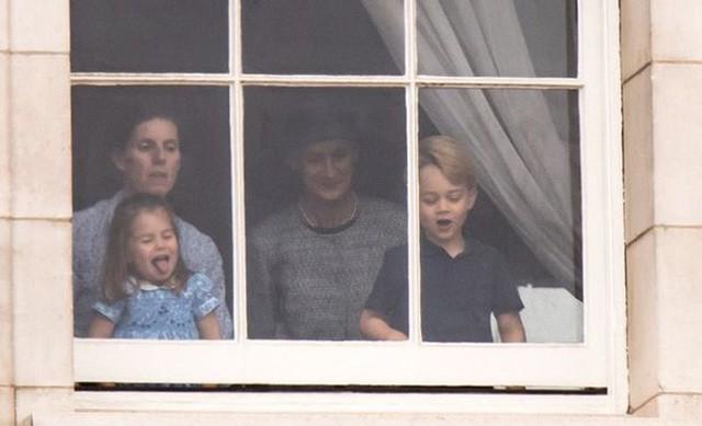 """Choáng váng với những quy tắc nghiêm ngặt của bảo mẫu """"khét tiếng"""" dành cho Hoàng tử George và Công chúa Charlotte - Ảnh 2."""