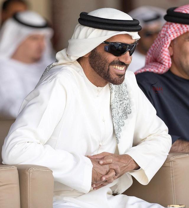Hoàng tử UAE mua sạch vé, không cho dân Qatar vào xem bán kết Asian Cup quyền lực đến mức nào? - Ảnh 11.