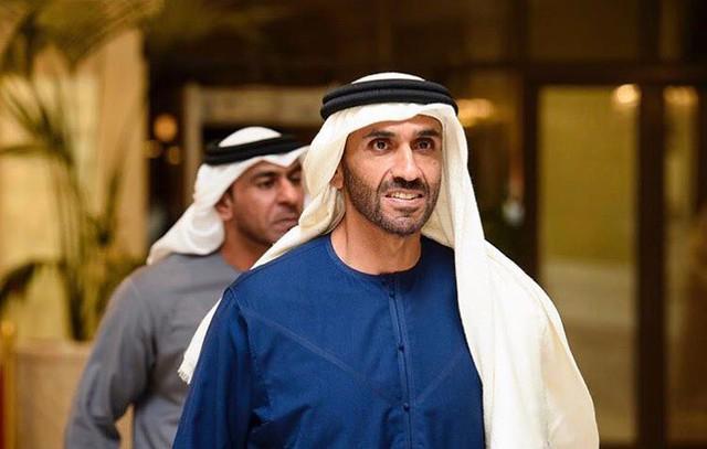 Hoàng tử UAE mua sạch vé, không cho dân Qatar vào xem bán kết Asian Cup quyền lực đến mức nào? - Ảnh 14.