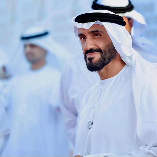 Hoàng tử UAE mua sạch vé, không cho dân Qatar vào xem bán kết Asian Cup quyền lực đến mức nào? - Ảnh 3.