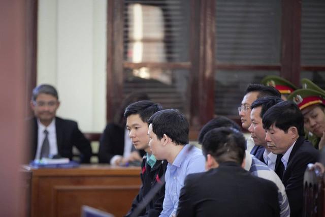 Vụ án chạy thận: Tòa tuyên Hoàng Công Lương 42 tháng tù giam - Ảnh 2.
