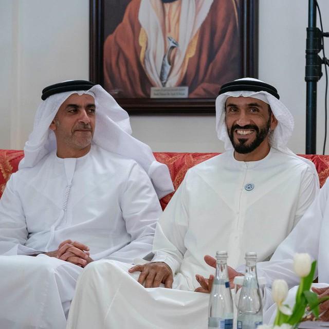 Hoàng tử UAE mua sạch vé, không cho dân Qatar vào xem bán kết Asian Cup quyền lực đến mức nào? - Ảnh 10.