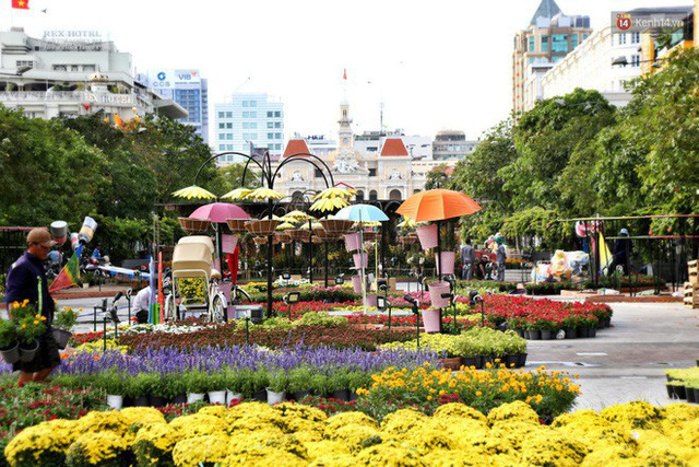Close from Nguyen Hue Flower Road in Saigon before opening time to meet Tet Ky Hoi 2019 - 15th photo.