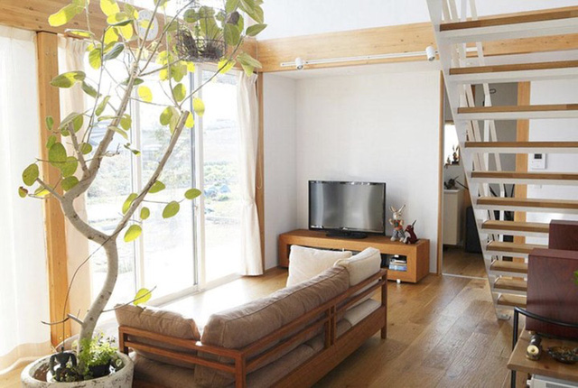 Ngôi nhà gỗ chống gió lạnh vào mùa đông - Ảnh 3.