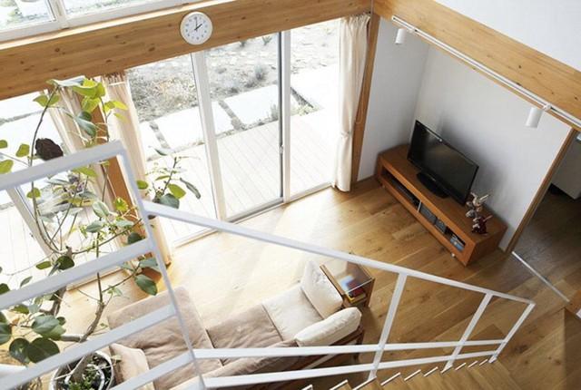 Ngôi nhà gỗ chống gió lạnh vào mùa đông - Ảnh 7.
