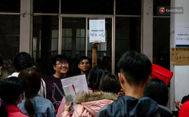 Những nụ cười ở ga Sài Gòn ngày giáp Tết: Trở về sau hơn 19 năm bôn ba nơi xứ người - Ảnh 8.