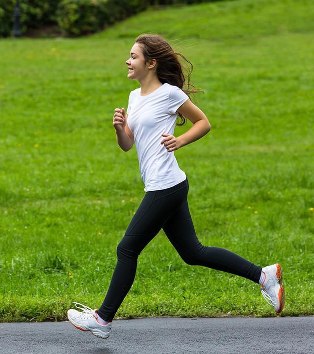 Trời lạnh thế này, tập thể dục buổi sáng hãy lưu ý những điều sau kẻo nguy hại cho sức khỏe - Ảnh 3.
