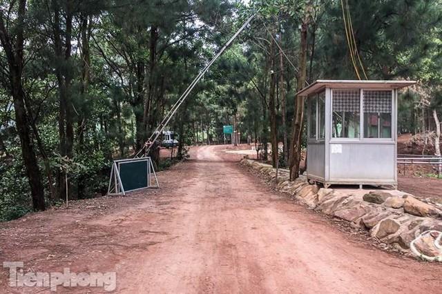 Bên trong khu sinh thái xẻ thịt đất rừng Sóc Sơn sau lệnh cưỡng chế - Ảnh 2.