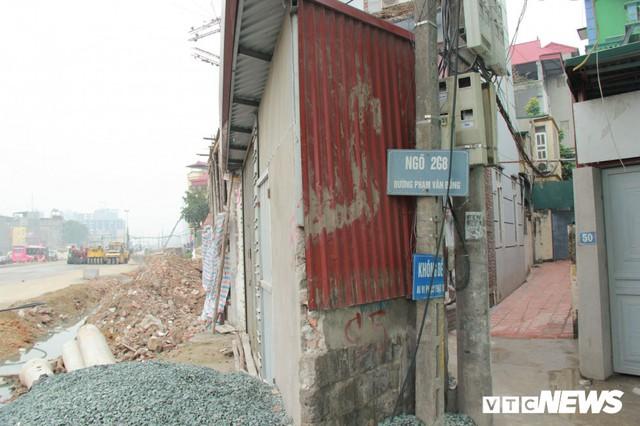 Ảnh: Đường chưa làm xong, nhà siêu mỏng, siêu méo đã mọc lên nhan nhản ở Hà Nội - Ảnh 8.