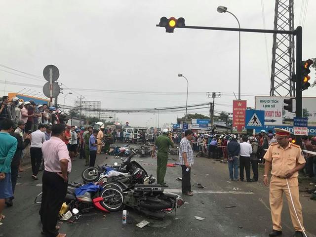 TS Thủy: Từ tai nạn thảm khốc ở Long An nói cấm xe máy là không hiểu biết về giao thông - Ảnh 1.