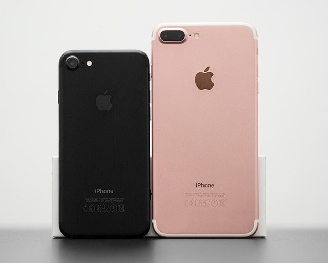 Apple chính thức ngừng bán iPhone 7, iPhone 8 - Ảnh 1.