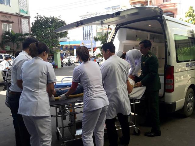 Xe khách rơi trên đèo Hải Vân, 21 sinh viên bị nạn - Ảnh 5.