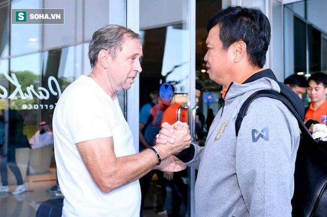 Đúng lúc nước sôi lửa bỏng, HLV tạm quyền của Thái Lan nói điều làm CĐV vừa mừng vừa lo - Ảnh 1.
