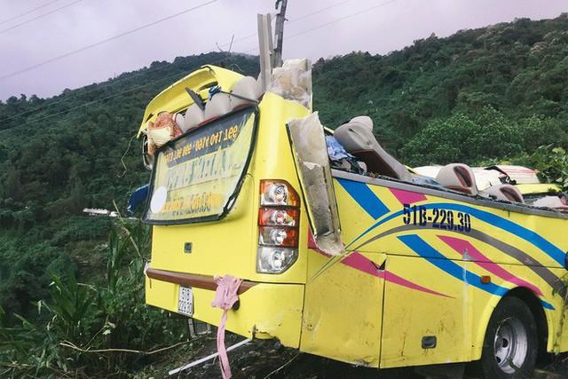 Người cứu 10 nạn nhân vụ xe khách lao xuống đèo Hải Vân: Nhiều em mắc kẹt trong xe gào khóc, kêu cứu thất thanh - Ảnh 2.