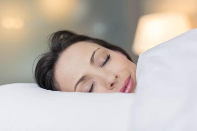 Những việc nên làm trong buổi sáng, trưa, tối để tăng cường miễn dịch đẩy lùi bệnh mùa lạnh - Ảnh 4.
