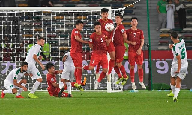 Thủ môn Đặng Văn Lâm có thực sự mắc lỗi trong bàn thua ở phút 90 của đội tuyển Việt Nam? - Ảnh 6.