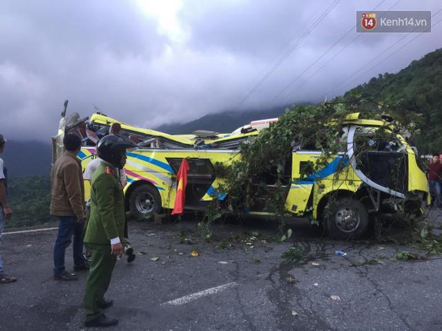 Người cứu 10 nạn nhân vụ xe khách lao xuống đèo Hải Vân: Nhiều em mắc kẹt trong xe gào khóc, kêu cứu thất thanh - Ảnh 6.