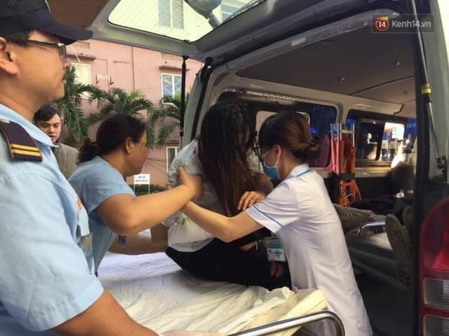 Người cứu 10 nạn nhân vụ xe khách lao xuống đèo Hải Vân: Nhiều em mắc kẹt trong xe gào khóc, kêu cứu thất thanh - Ảnh 9.