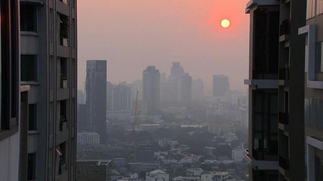 Thủ tướng Thái Lan họp khẩn vì ô nhiễm không khí - Ảnh 1.