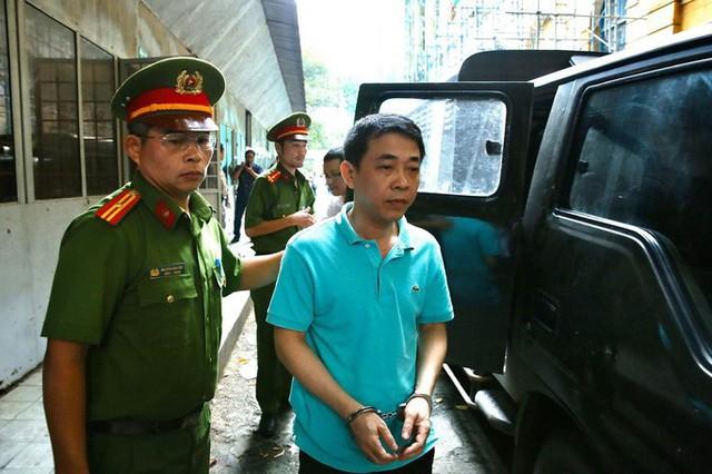 Cựu Tổng Giám đốc VN Pharma bị tuyên phạt 17 năm tù  - Ảnh 1.