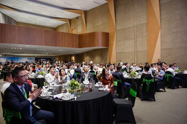 Bamboo Airways vinh danh 100 đại lý xuất sắc nhất, hé lộ mục tiêu 30% thị phần năm 2020 - Ảnh 1.