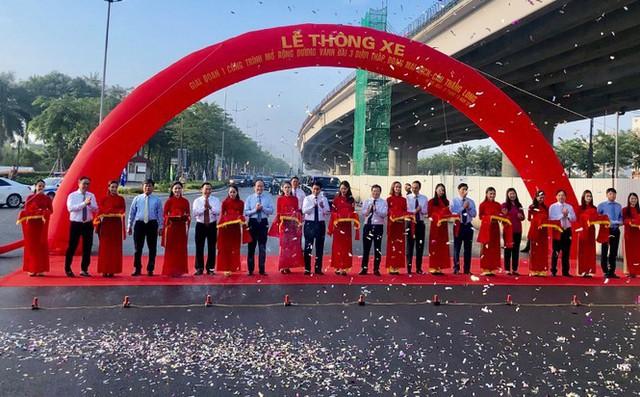 Thông xe đường vành đai Mai Dịch-Cầu Thăng Long rộng 16 làn - Ảnh 1.
