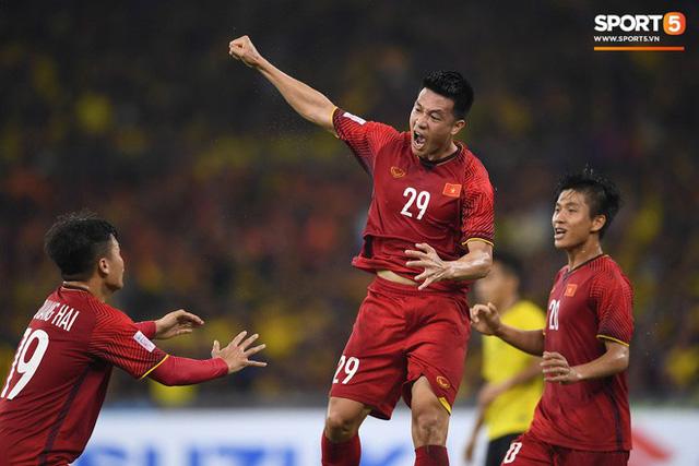 Tuyển Việt Nam đối đầu Malaysia: Fan Việt từng phải đổ cả máu và rất nhiều nước mắt cho cặp đấu kịch tính hàng đầu Đông Nam Á - Ảnh 7.