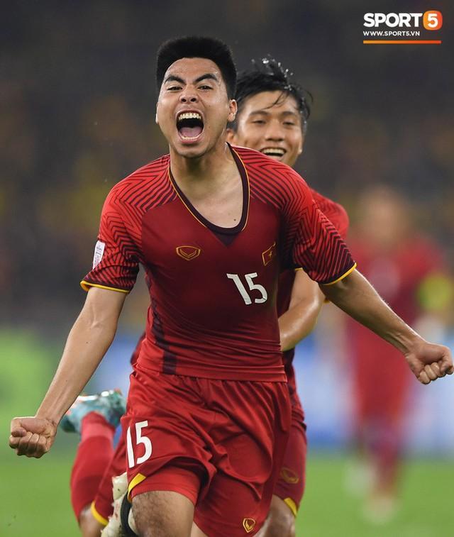Tuyển Việt Nam đối đầu Malaysia: Fan Việt từng phải đổ cả máu và rất nhiều nước mắt cho cặp đấu kịch tính hàng đầu Đông Nam Á - Ảnh 8.