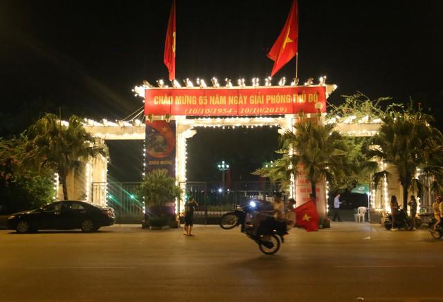Tham gia giao thông sau trận Việt Nam - Malaysia: Vui thôi đừng vui quá! - Ảnh 4.
